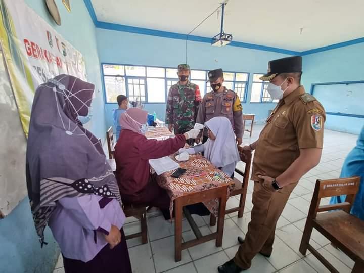 Kades Socorejo Meninjau Vaksinasi Pelajar di SMP Islam Jenu